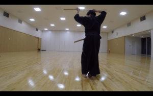 二天一流剣術の型「張付」1